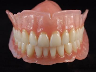 dentier en metal
